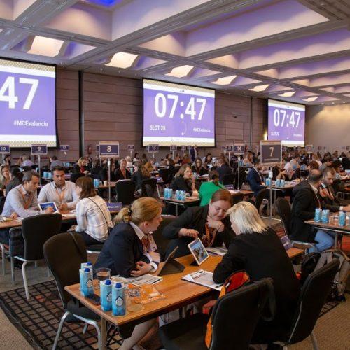 meeting na konferencji firmowej za granicą